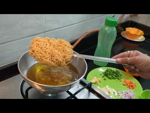 How to make munchow soup and dry  noodles