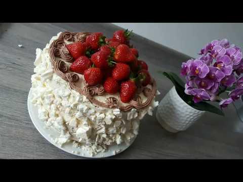 Polish strawberry torte / gateau / tort truskawkowy