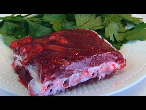 Betty's Holiday Cranberry-Sour Cream Salad for Christmas