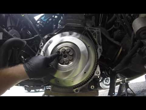 DIY 8th Gen Civic Si Flywheel, Clutch Disc, And Pressure Plate Install (k20z3)