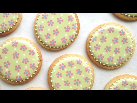How To Decorate Cookies With Cute And Easy Dot Flowers Using Royal Icing