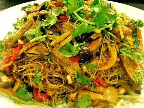 Vegetarian Singapore Noodles/Bun Xao Singapore (English CC/subs)
