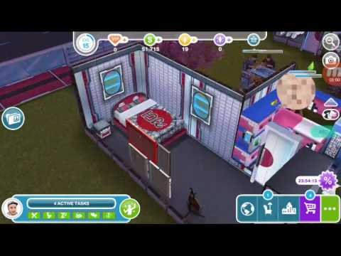 Hey!!!don't woohoo there!!!!The Sims Freeplay