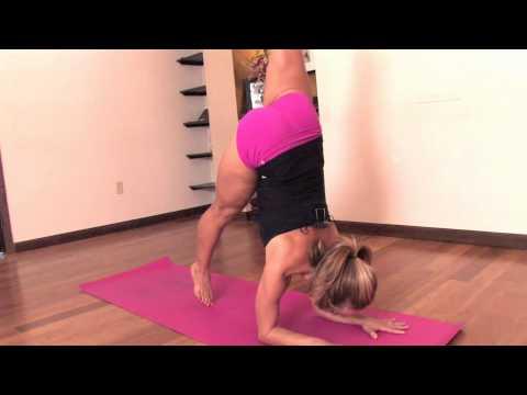 Ashtanga Yoga : Forearm Balance, Pinchamayurasana with Kino MacGregor