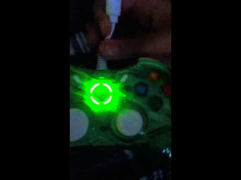 Help!!!!!!!! Wired xbox 360 controller won't turn on :(