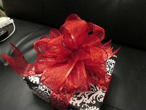 How to Make a Bow for Presents!