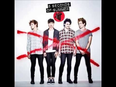 5 Seconds of Summer Kiss me Kiss me (lyrics in description)