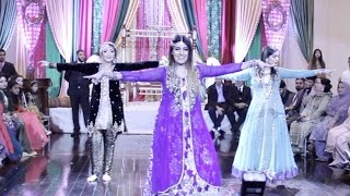 Best Girls Mehndi Dance - Crazy Trio (Kala Chashma, Breakup Song, High Heels, Nachde ne)