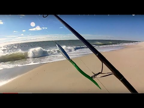 Strong Winds + Diamond Jigs - Surfcasting Late Fall Run (diaper) Stripers - Long Island, NY