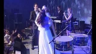 ליאור נרקיס בהופעה בחתונה של הילה ועדי שרון