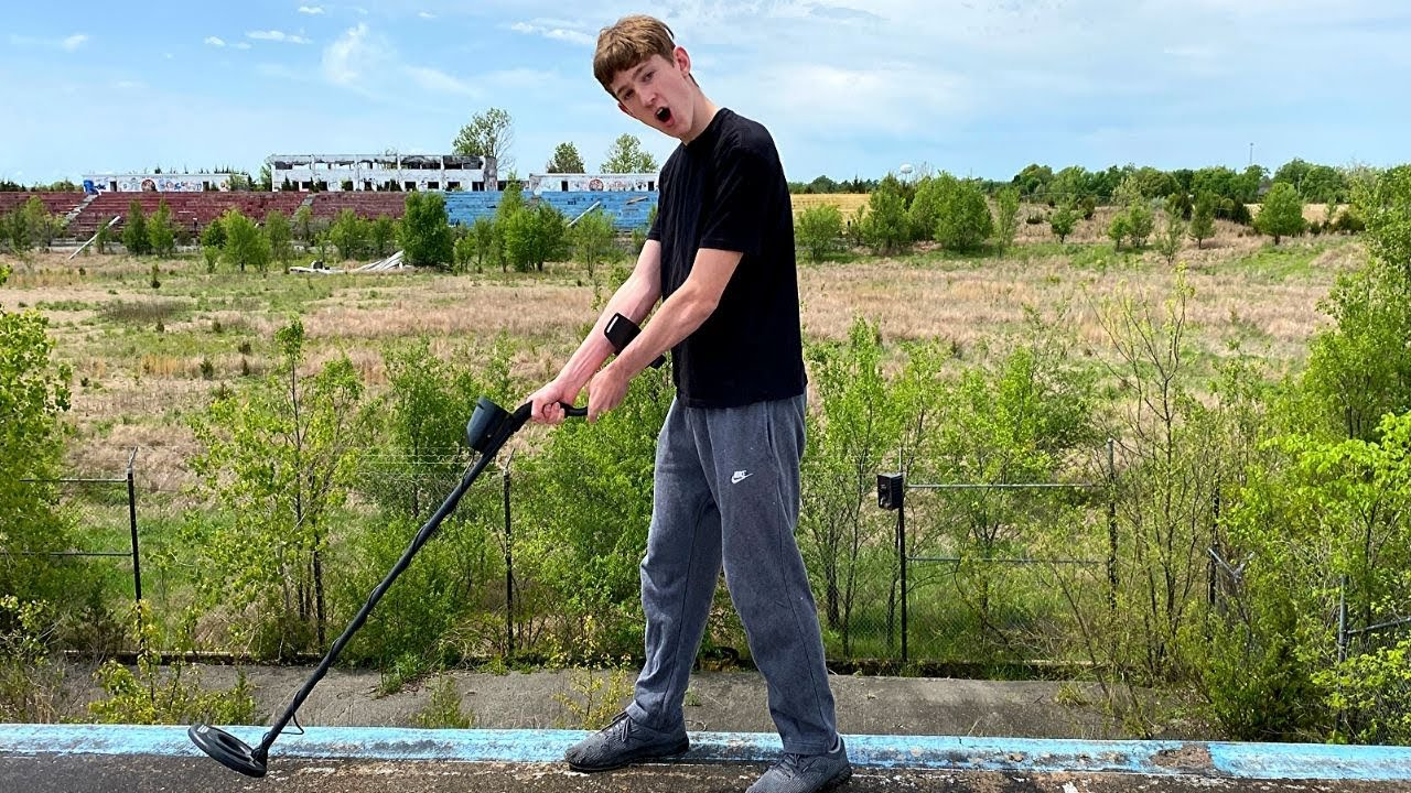 Metal Detecting At An Abandoned Race Track