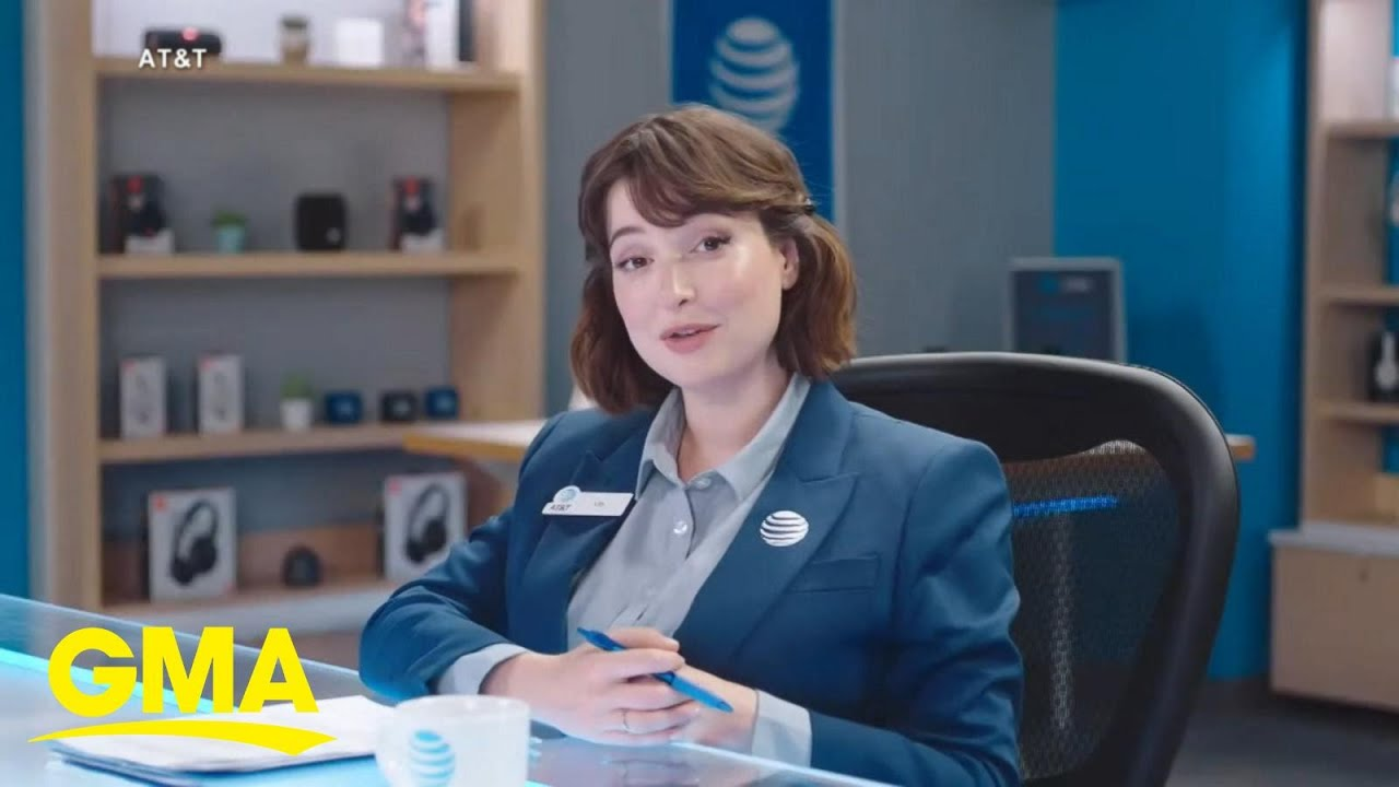 AT&T commercial actress says she feels 'unsafe' after online harassment l GMA