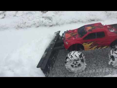 Rc car snow plow. Traxxas emaxx