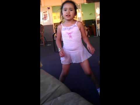 Xxx Mp4 5 Year Old Bethany Singing Quot Que Sera De Ti Quot 3gp Sex