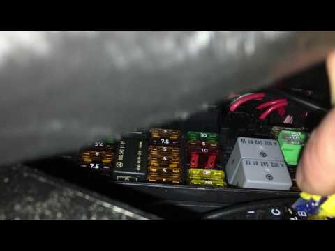 12-volt socket cigarette lighter fuse in Mercedes-Benz R350