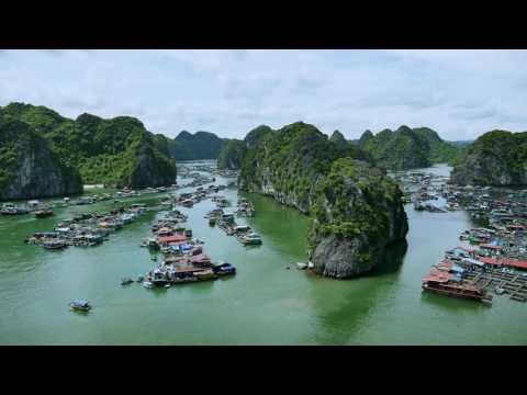 Halong Bay : Cat Ba Island, Vietnam