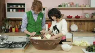 """[Star Kitchen with U-KISS] """"How to Make Kimchi"""" - Fermented Korean Cabbage with Vegetables"""