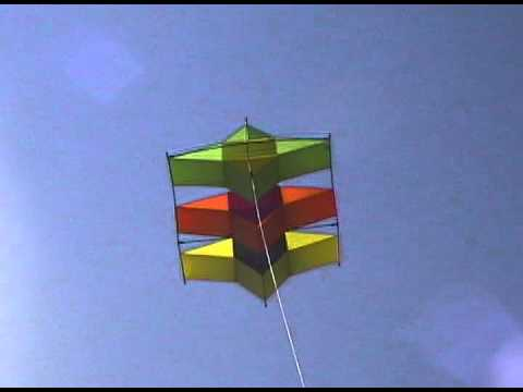 Tristar Box kite by Flying Wings Kites