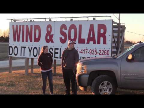 Missouri Wind and Solar looks at Justin Luter's Tiny Home