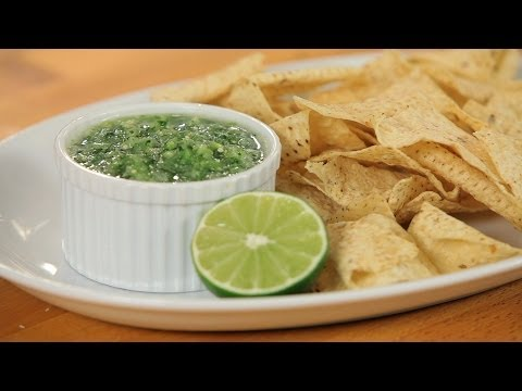 How to Make Green Salsa | Tacos