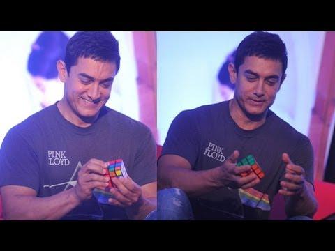 Watch Aamir Khan Solving Rubix Cube | Amazing Speed