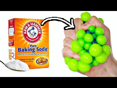 DIY STRESS BALLS with BAKING SODA | Things to do when you're bored this summer