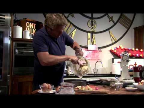 How to make apple crumble cake