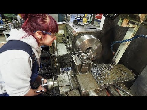 Clueless Machinist | My Wife's First Time Using a Metal Lathe