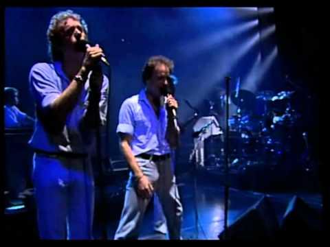 Gainsbourg I'm the boy live