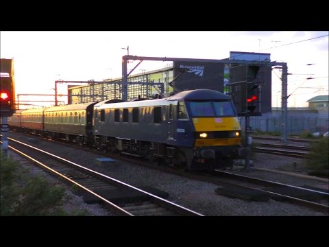 Trains at Rugby, WCML   22/04/17