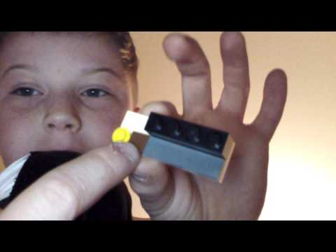 How to build a lego pocket knife