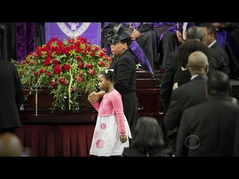 Obama delivers powerful eulogy to slain S.C. pastor