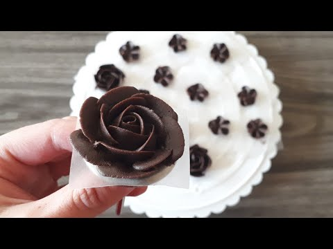 How to pipe a rose and other flowers with chocolate ganache - Chocolate Ganache roses