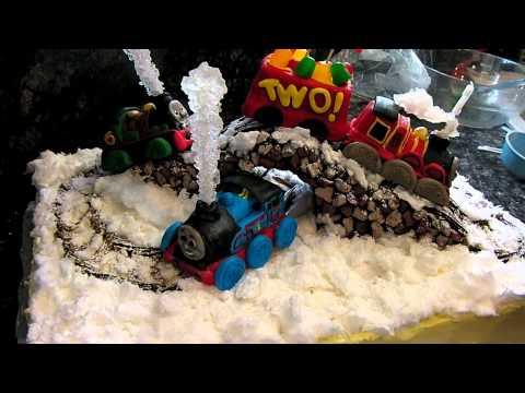 Thomas, Percy & James Train Cake.MP4