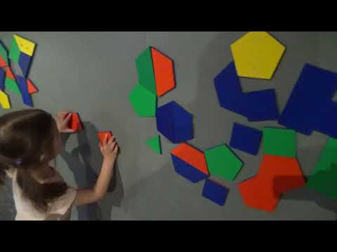 Learning Colors and Shapes - Natalia Loves the Ontario Science Centre