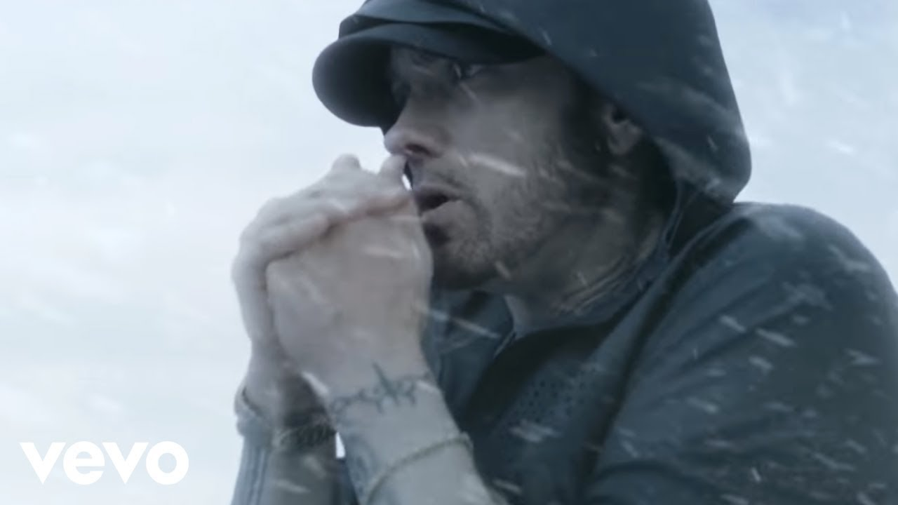 Eminem - Walk On Water (feat. Beyoncé)