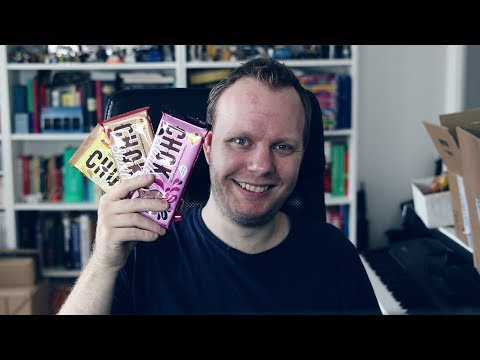 Swede tries new Swedish candy (Bubs Chocskalle)