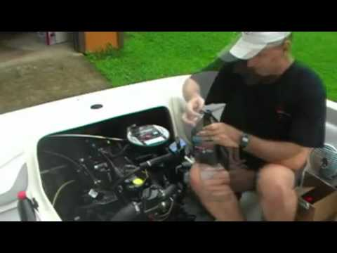 How to Change The Oil On Your I/O Boat - Iboats.com