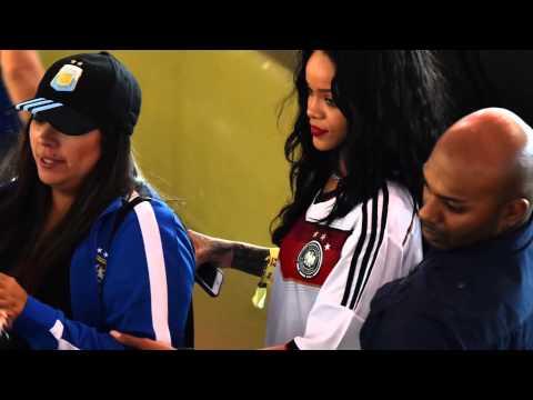 Xxx Mp4 Rihanna Montre Ses Seins En Finale De La Coupe Du Monde 3gp Sex