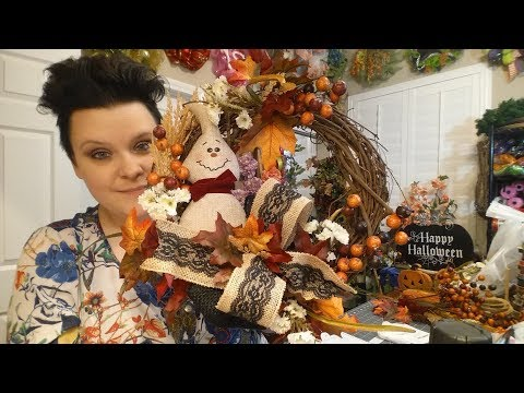 Halloween Grapevine Wreath with Natural Floral Theme