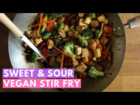 Healthy vegan meals: Sweet and sour tofu and veggie stir fry with pineapple (Quick Fix!)