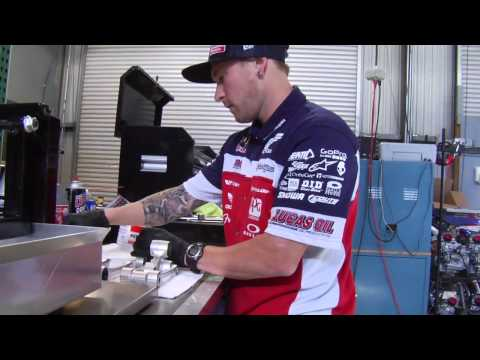 How To: Clean and Grease Suspension Linkage - TransWorld MOTOcross
