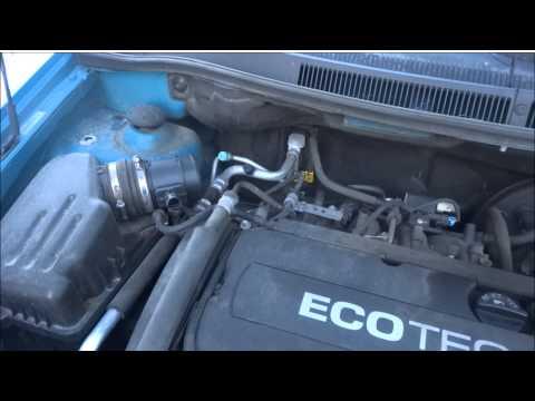 Cleaning a Chevy Trailblazer throttle body I6 4 2 - P1400 Code 2009