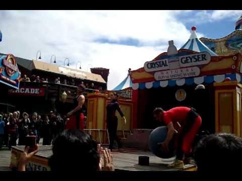 Funny acrobatic show pier 39 San Francisco 4