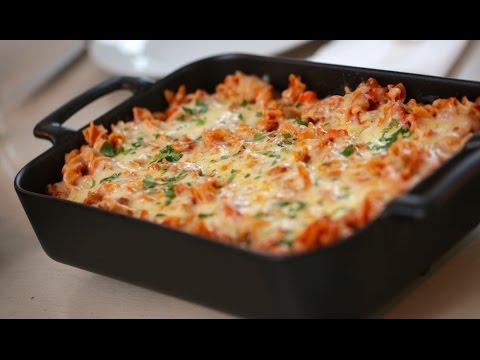 Beth's Cheesy Pizza Pasta Bake Recipe | ENTERTAINING WITH BETH