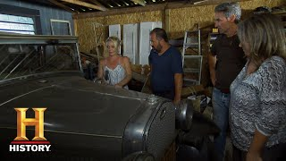 """American Pickers: Savannah Pitches Her """"Pouting Truck"""" to Frank (S18, E 8) 