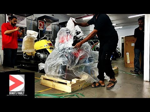 2017 Aprilia RSV4 RF Unboxing, Delivery, Owner Reaction #Bikes@Dinos