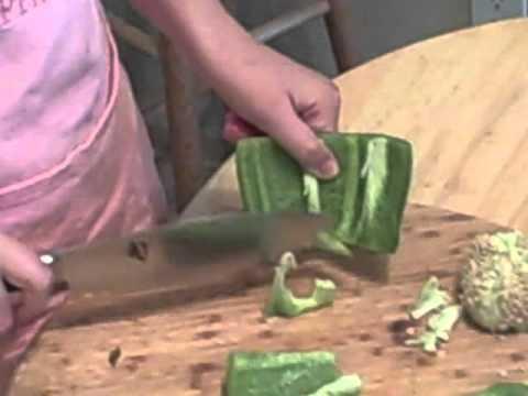 Chopping green pepper.AVI