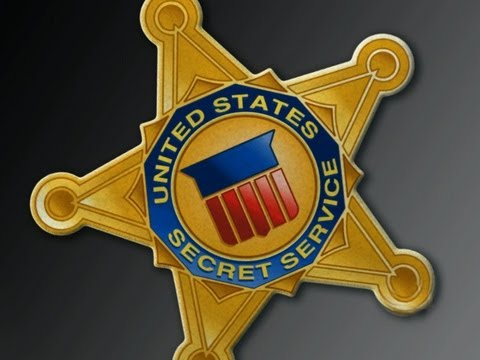 CBS Evening News with Scott Pelley - Secret Service agents lose clearance amid scandal