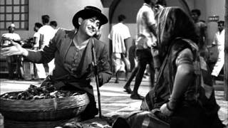 Raj Kapoor Proposes A Funny Deal To Fruit Seller - Shree 420 Most viewed Scenes - Lalita Pawar